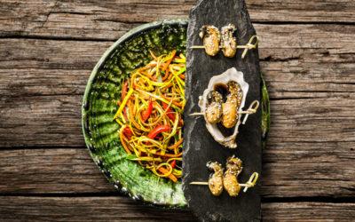 Huitres snackées au sésame et soja, wok de légumes